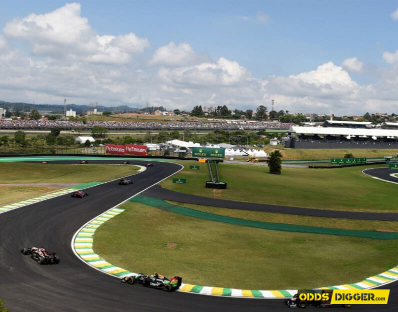 Picture of cars racing during the Brazilian GP